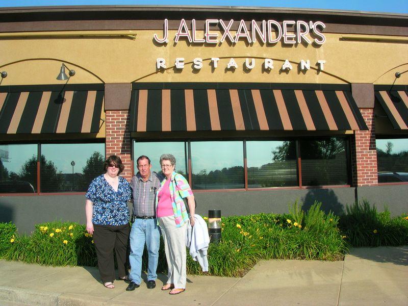 DadMomSunshine at J Alexanders 7-20-09